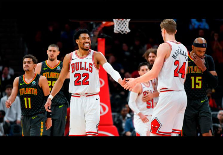El histórico show que brindaron Bulls y Hawks