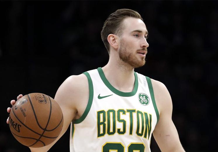 Gordon Hayward revivió a los Celtics