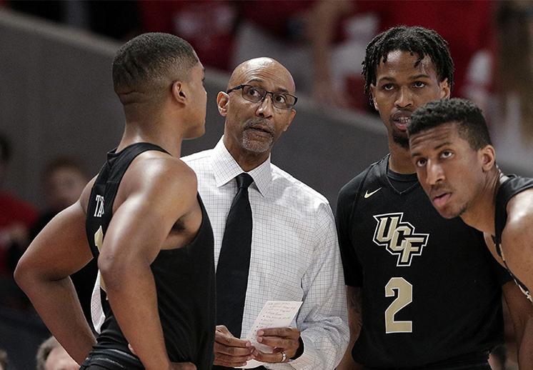 El emotivo mensaje del coach de UCF tras perder contra Duke