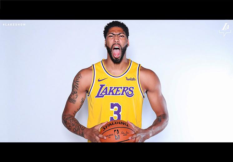 La presentación de Anthony Davis con Lakers