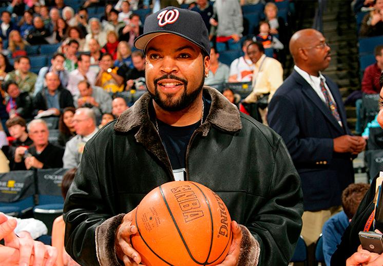 Un día en la cancha de basquet con Ice Cube