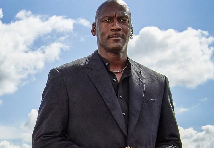 Michael Jordan hace donación millonaria a bancos de alimentos