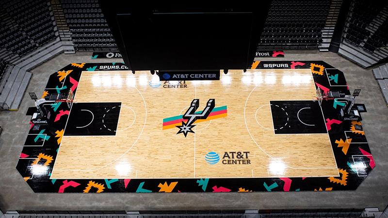Los Spurs de San Antonio estrenan duela retro 1