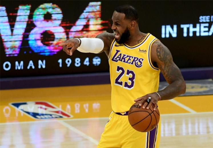 LeBron James no quiere perderse el juego Lakers vs Mavericks en Navidad