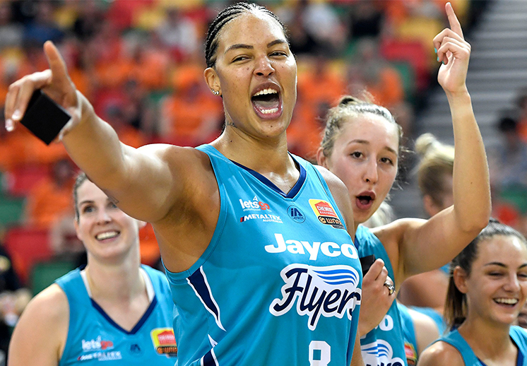 Liz Cambage campeona en Australia