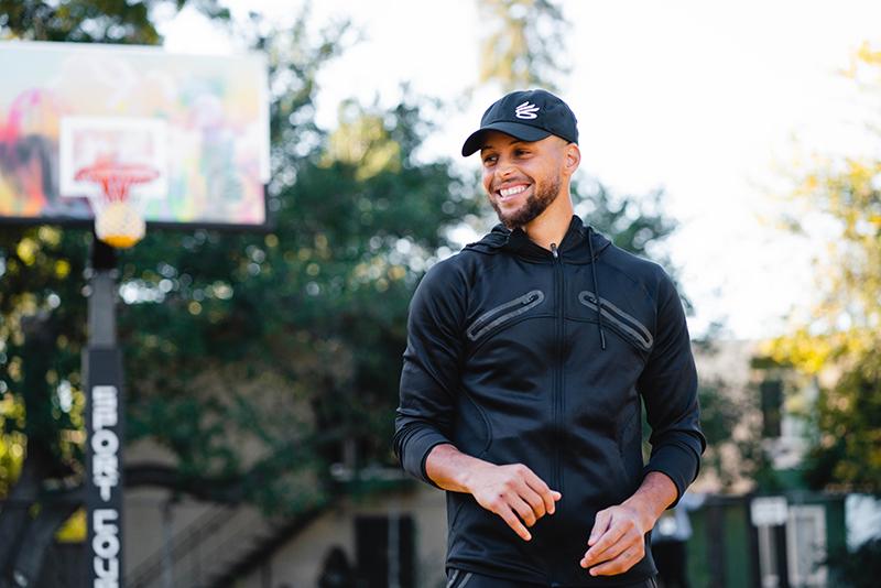 Stephen Curry, inspirando a la comunidad con sus nuevos tenis 1