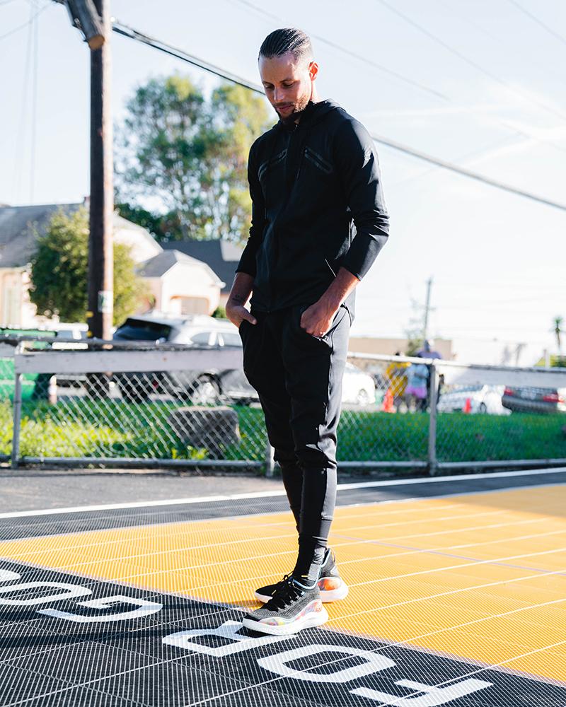 Stephen Curry, inspirando a la comunidad con sus nuevos tenis 2