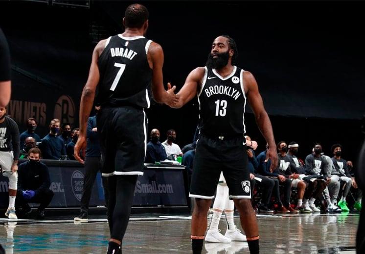 Harden y Durant sin piedad contra los Bucks de Milwaukee