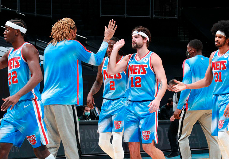 La noche retro de los Nets de Brooklyn