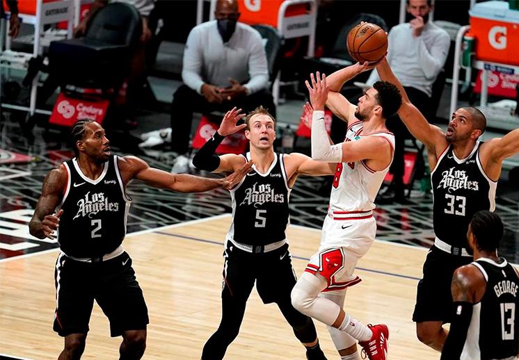 Zach LaVine y sus 45 puntos no evitaron la derrota de los Bulls frente a los Clippers
