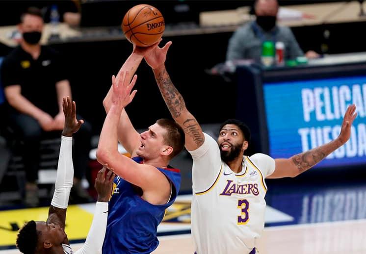 Los Lakers pierden a Anthony Davis