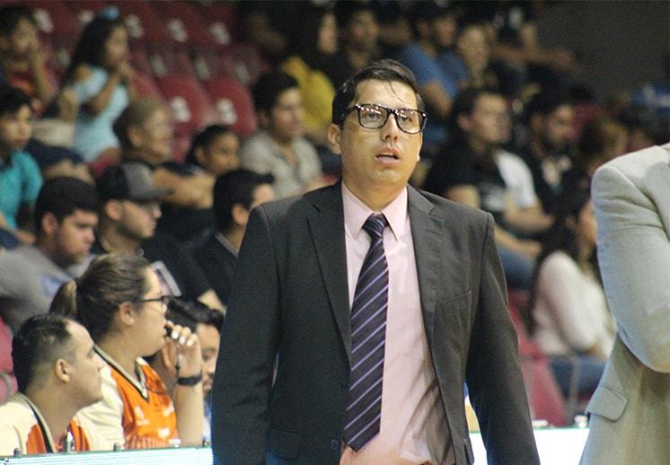 El coach Mike Corona a la liga venezolana DEST