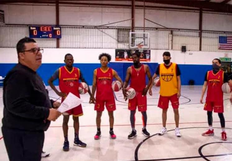 Se acabó la gran temporada para el coach Jesús Aragón y los Southwest Desertcats