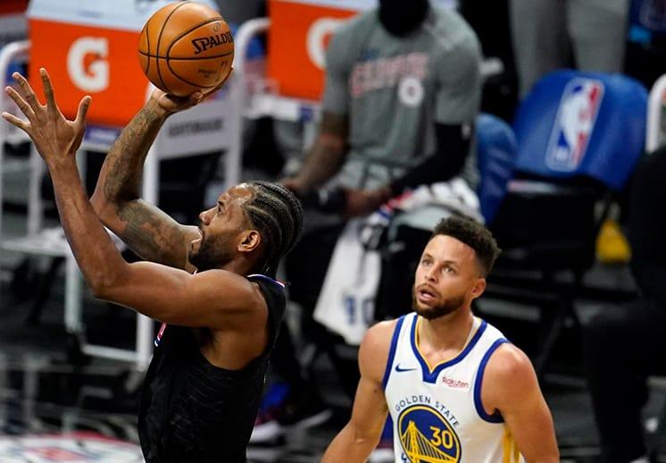 Stephen Curry mostró su ira al ser arrollados por los Clippers
