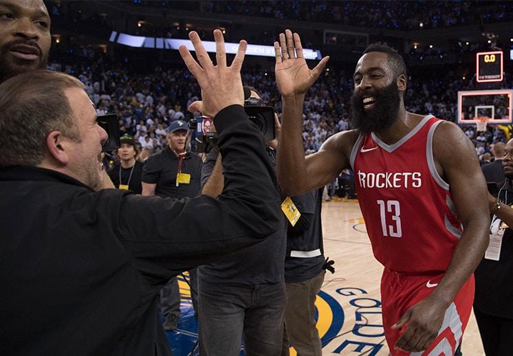 Los Rockets retirarían jersey de James Harden
