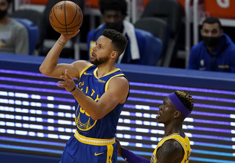 Stephen Curry rey de las asistencias en Golden State
