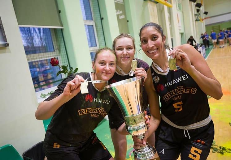 Misión cumplida, Jaqueline Luna-Castro se corona en Lituania 1