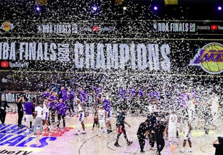 Los Lakers preparan la fiesta para festejar el campeonato