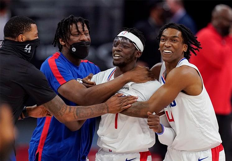 Reggie Jackson sin piedad ante su ex equipo
