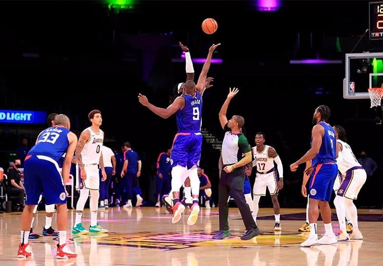 Regresan los fans de Lakers y Clippers al Staples Center
