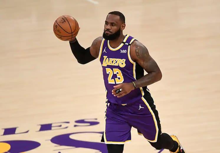 El regreso de LeBron James no evitó derrota de Lakers