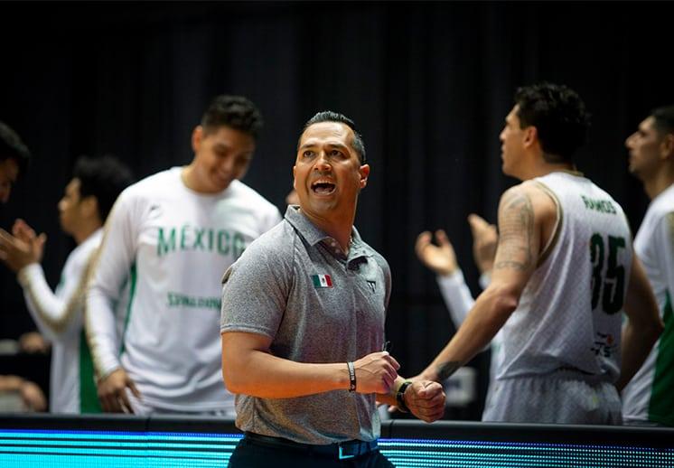Omar Quintero ratificado, ya planea la preparación de la Selección Mexicana de Basquetbol