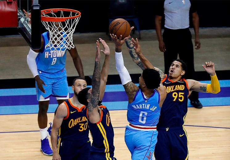Demostración defensiva de Juan Toscano en el triunfo de Warriors sobre Rockets