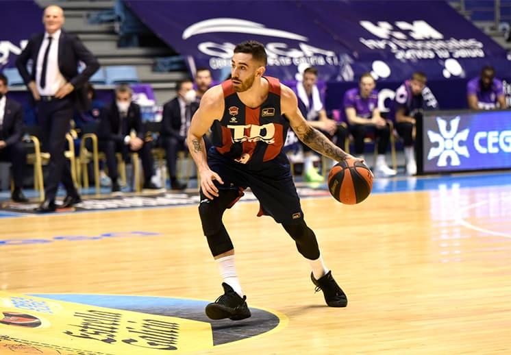 Luca Vildoza del Baskonia a los Knicks