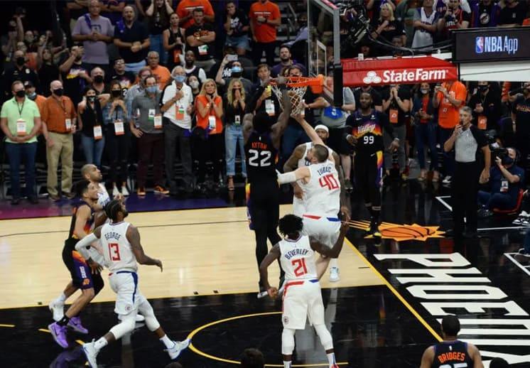 El héroe y el villano en la victoria de los Suns contra Clippers