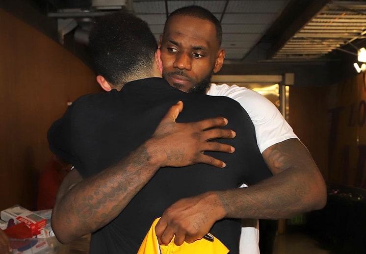 LeBron James se rinde ante Devin Booker DEST