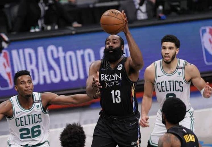 Los Nets avanzan, Lakers reciben paliza