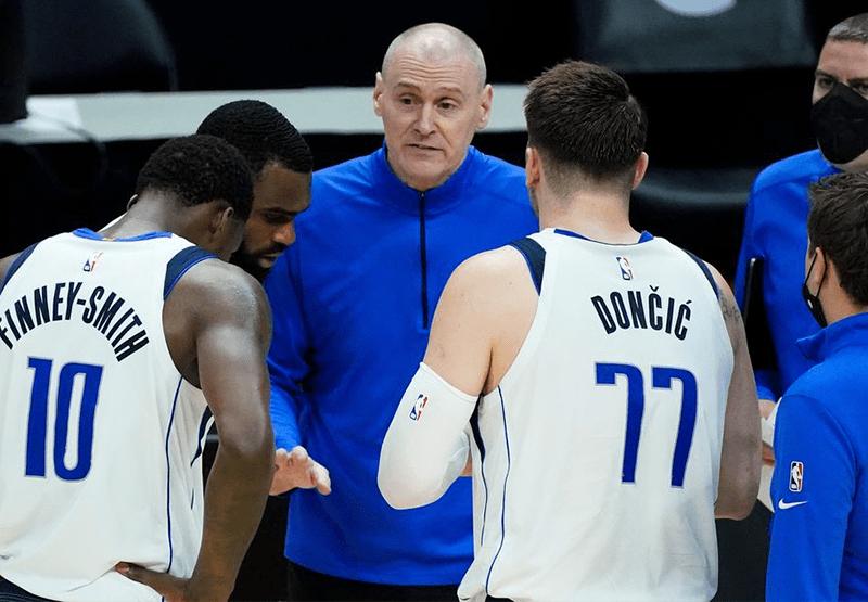 Revolución en los Mavericks, se va el coach Rick Carlisle