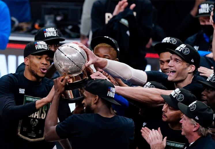 Los Bucks se llevan la serie ante los Hawks y regresan a las Finales de la NBA