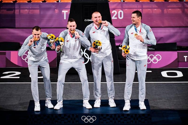 Estados Unidos y Letonia ganan el oro en el basquetbol 3x3 en Tokio 1