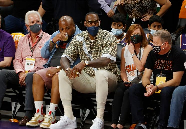 LeBron James y su fortuna de 1000 millones de dólares