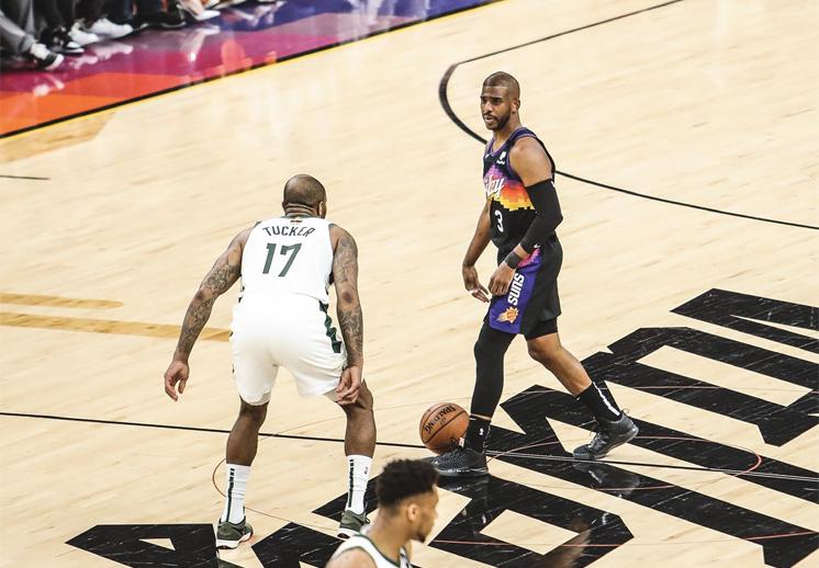 Las claves que tienen a los Suns con ventaja de 2-0 sobre Bucks