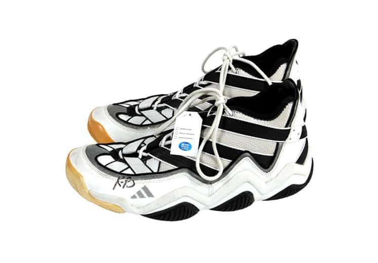 A subasta legendarios sneakers con los que debutó Kobe Bryant DEST