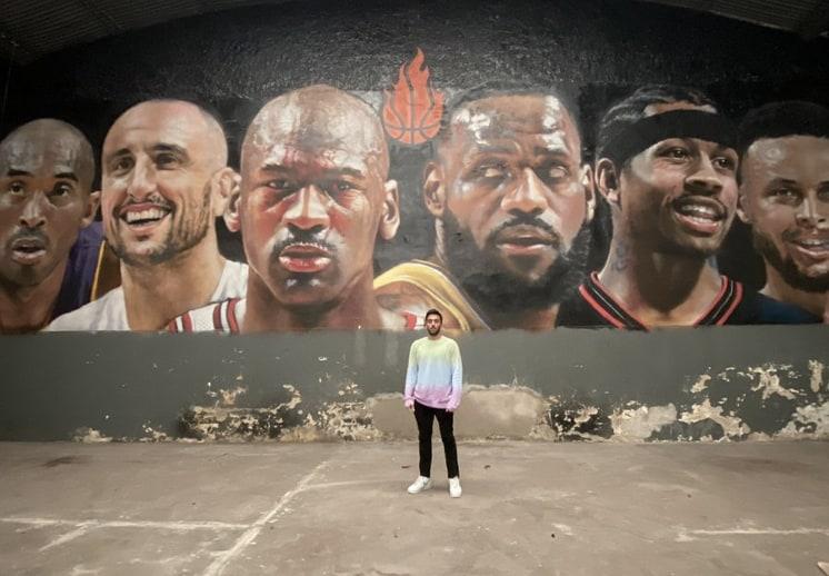 Estrellas de la NBA en gigantesco mural