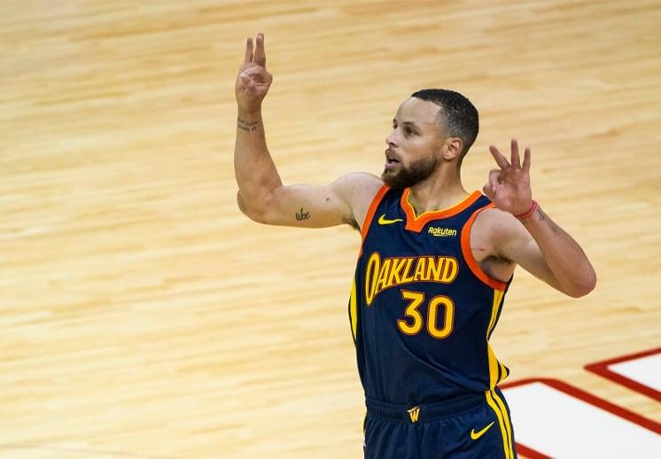 Stephen Curry firma millonaria extensión con Warriors
