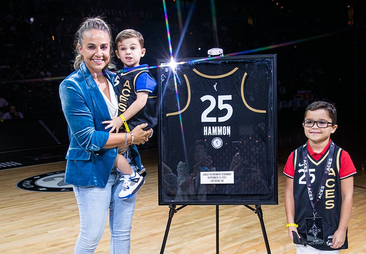 Becky Hammon recibe homenaje en Las Vegas