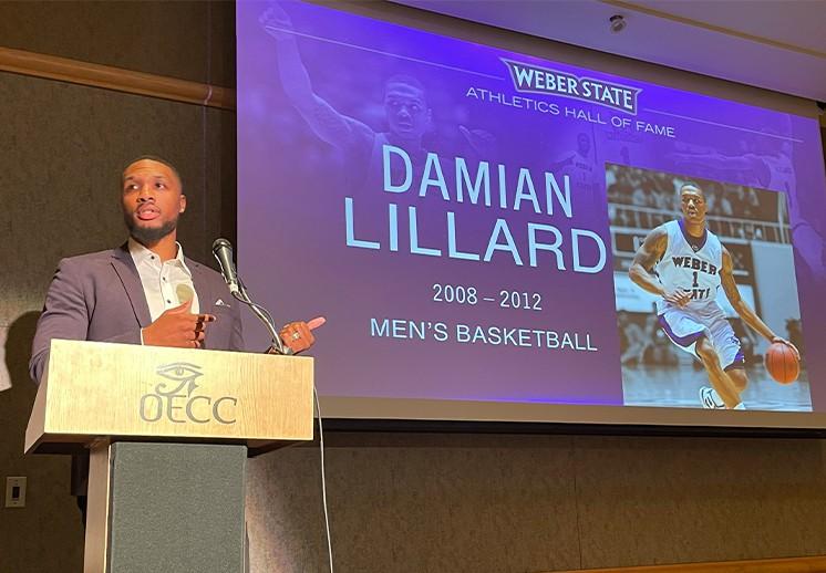 Damian Lillard recibe homenaje en su universidad DEST