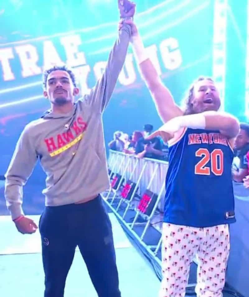 Espectacular regreso de Trae Young al Madison Square Garden… ahora con la WWE 1