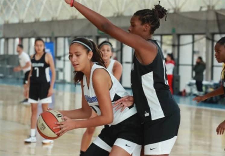 Regina Yáñez representando a México en NBA Academy Women's