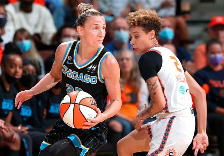 Courtney Vandersloot hace historia en las semifinales de la WNBA