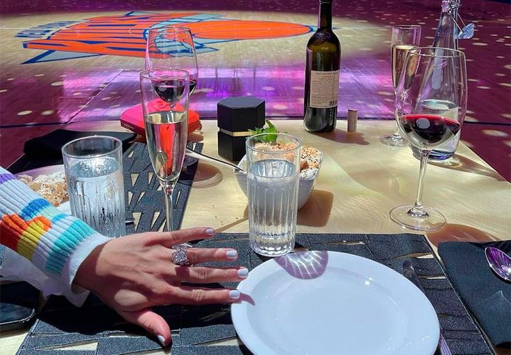 Derrick Rose pide matrimonio en el Madison Square Garden