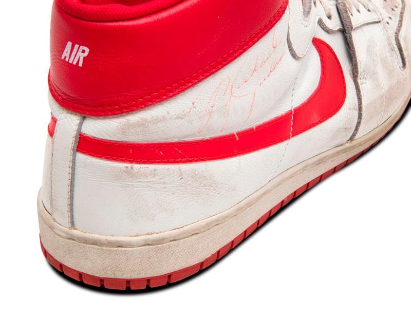 Los Nike Air Ship usados por Michael Jordan buscan comprador 2