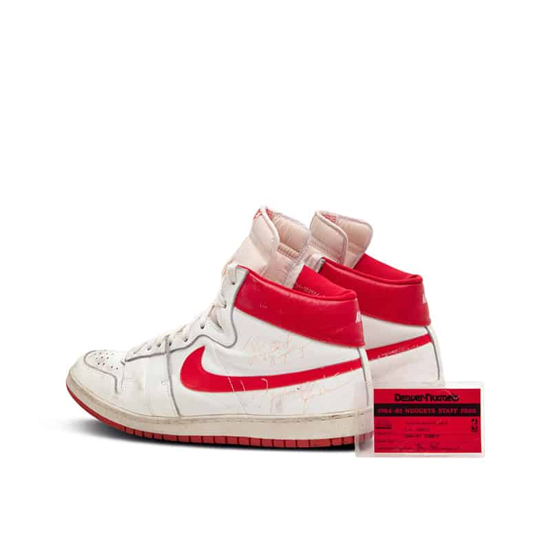 Los Nike Air Ship usados por Michael Jordan buscan comprador 1